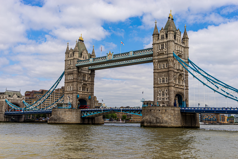 英国伦敦塔桥风景图片桌面壁纸